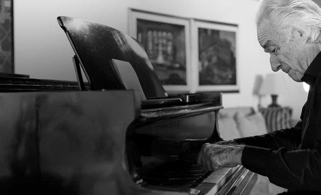 O alfabeto afetivo do maestro João Carlos Martins: música, superação e reinvenção