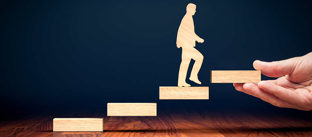 """""""Faça do Coaching um hábito"""": sete perguntas para mudar sua relação com os colegas e o trabalho"""